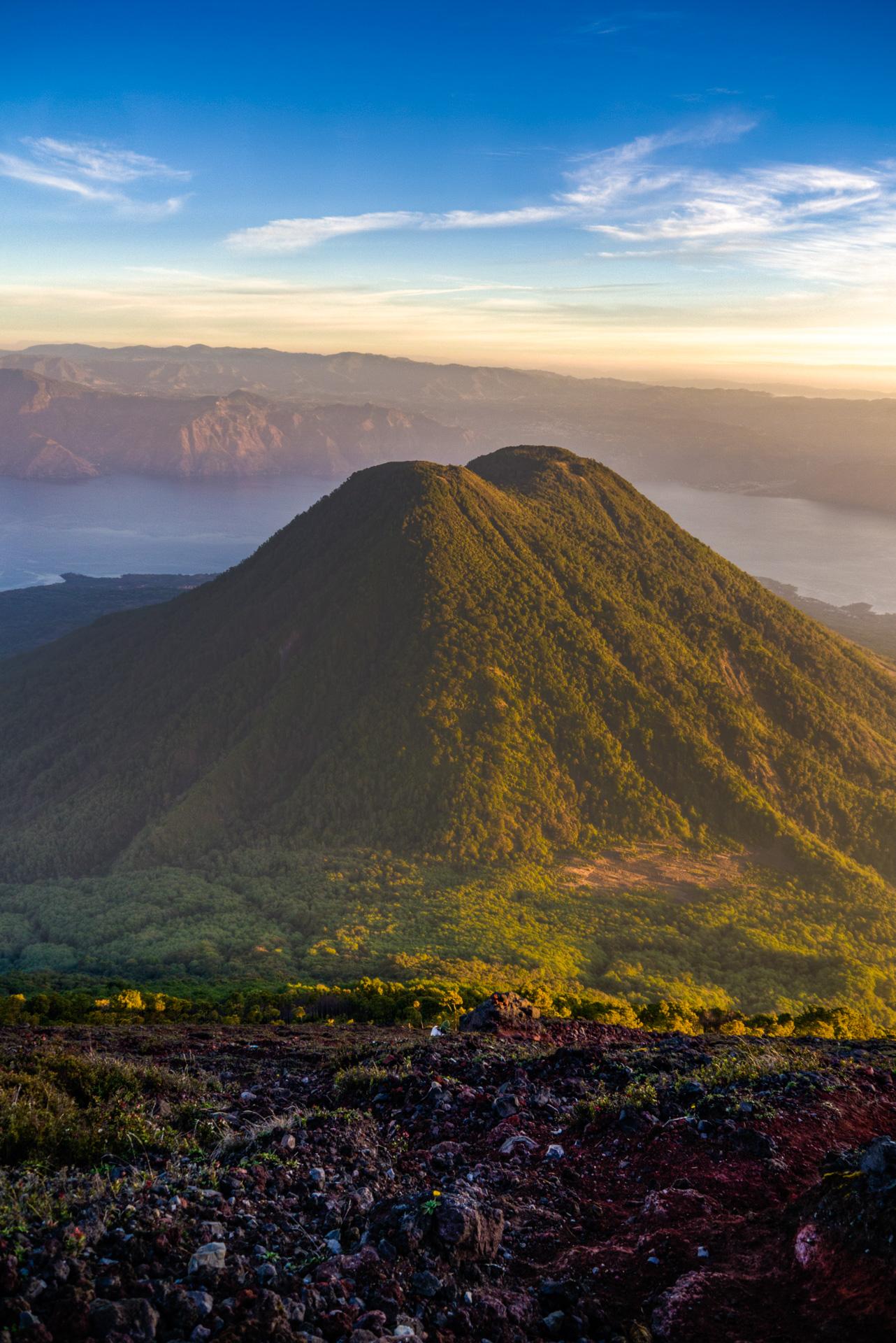 Sunrise over Volcán Tollimán