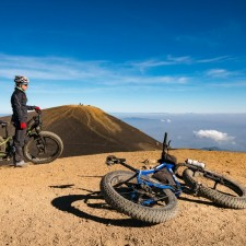 Volcanarchy:  Fatbiking Guatemala's Highest Volcanoes. Sponsors: Fatback Bikes, Lauf Forks, Gore Bike Wear, Julbo USA. | Ruta Volcán Acatenango , GuatemalaFilename: VC2016_EP03-ACAT-0329-G7-086Original Date: 03/29/2016© 2016 Brendan James Photography www.picsporadic.com
