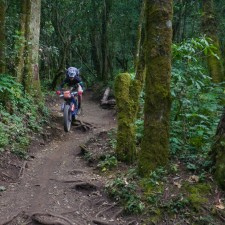Volcanarchy:  Fatbiking Guatemala's Highest Volcanoes. Sponsors: Fatback Bikes, Lauf Forks, Gore Bike Wear, Julbo USA. | Ruta Volcán Acatenango , GuatemalaFilename: VC2016_EP03-ACAT-0329-G7-106-16x9Original Date: 03/29/2016© 2016 Brendan James Photography www.picsporadic.com