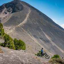 Volcanarchy:  Fatbiking Guatemala's Highest Volcanoes. Sponsors: Fatback Bikes, Lauf Forks, Gore Bike Wear, Julbo USA. | Ruta Volcán Acatenango , GuatemalaFilename: VC2016_EP03-ACAT-0329-G7-115Original Date: 03/29/2016© 2016 Brendan James Photography www.picsporadic.com